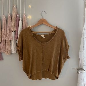 Free People cute slightly cropped T-Shirt